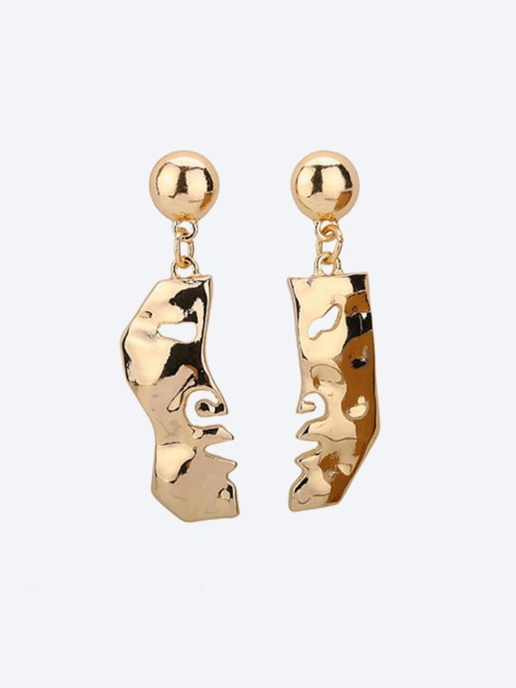 No-41.-The-Two-Faced-Earrings-1.jpg