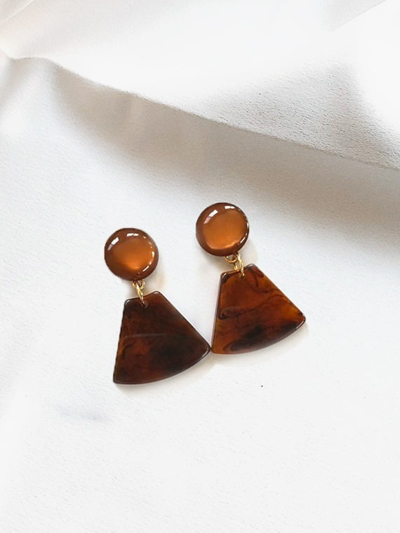 The Triangle Cut Brown Pearl