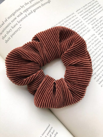 Karbowana Scrunchie Brown KAJO