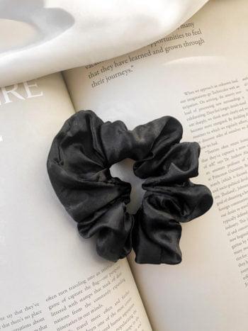 KAJO Jewels Scrunchie Czarna Black Satin
